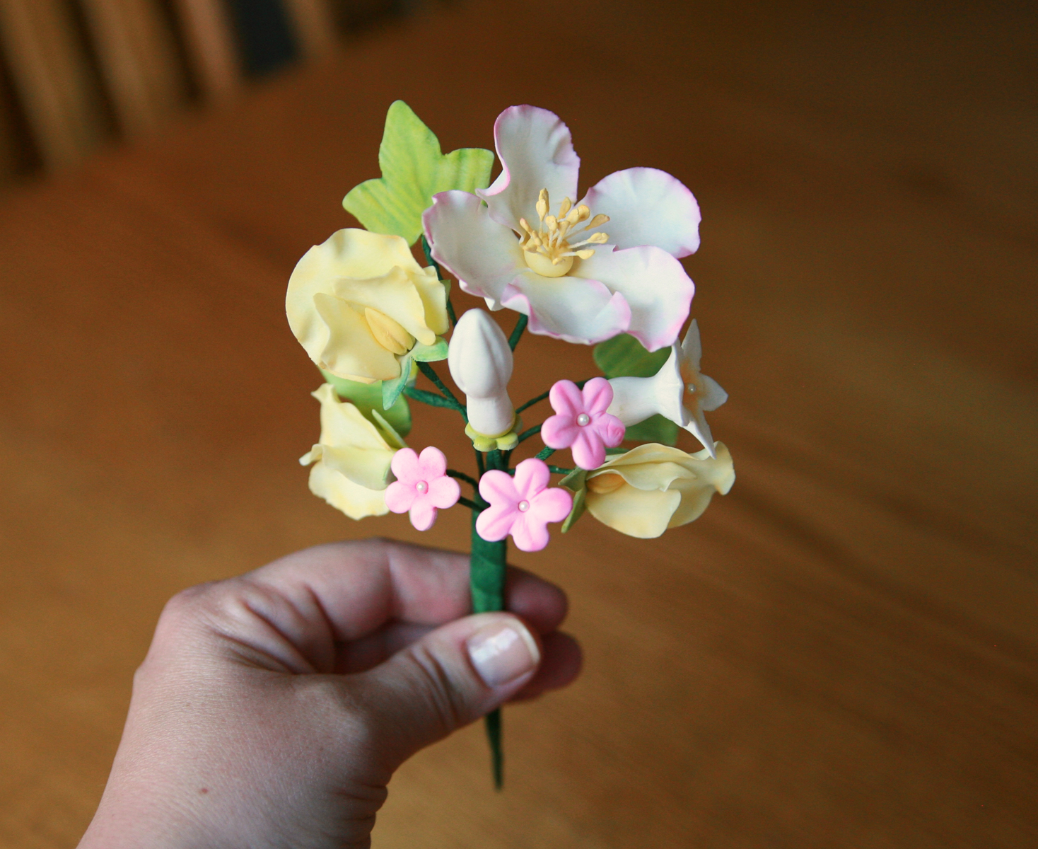 Gum paste flowers and izmirmasajfo